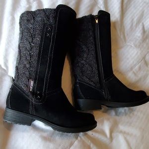 New without tags muk Luk boots